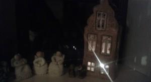 keramikhus med lys i