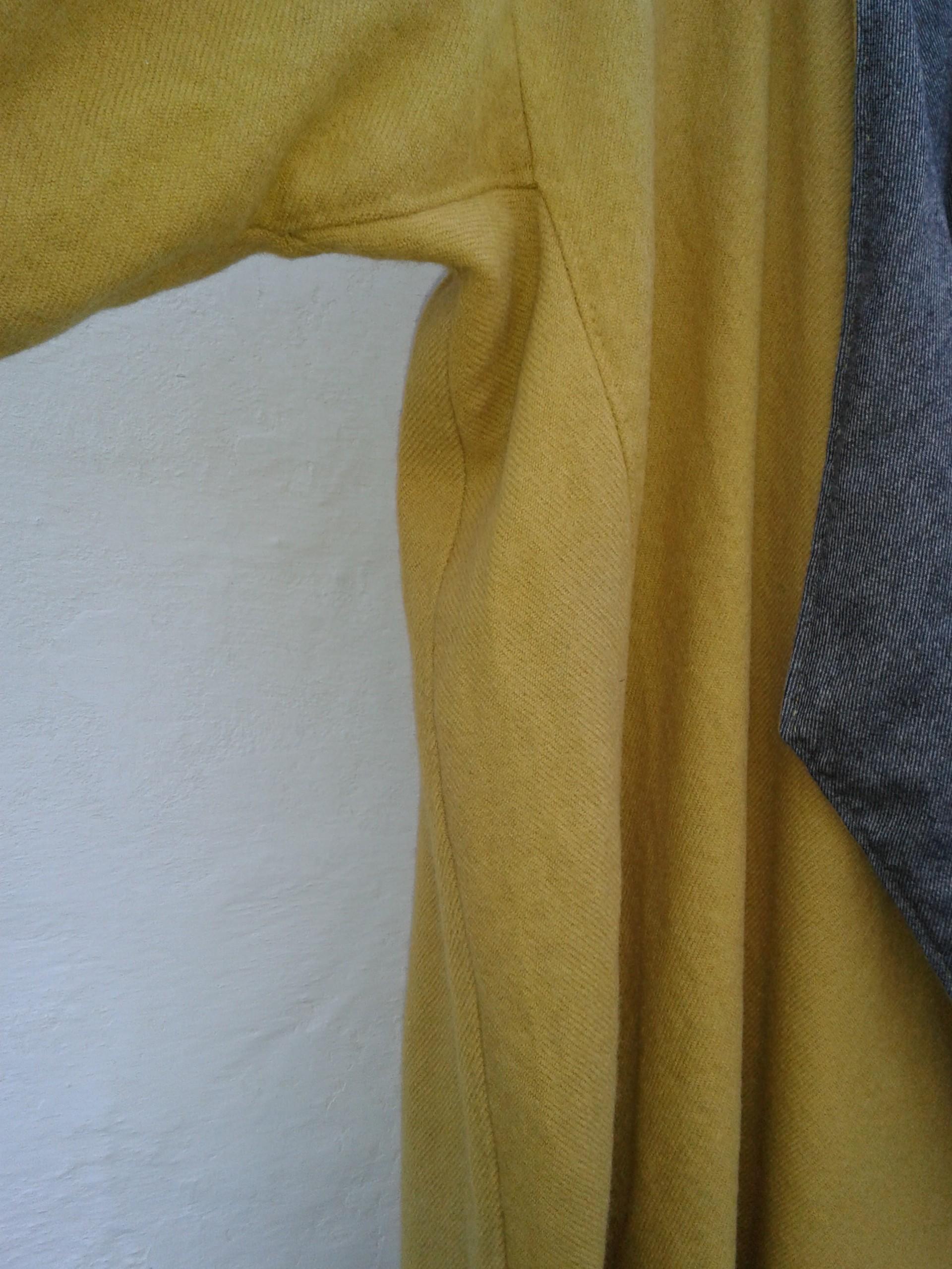 Kilen går fra armhulen og helt ned til kanten af kaftanen